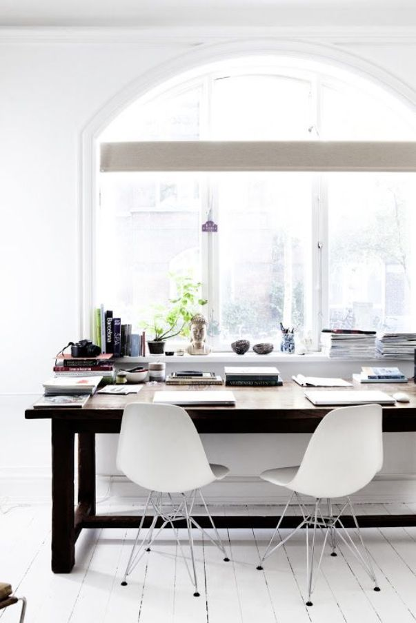 10 inspiring work spaces in black and white - by Myra Madeleine