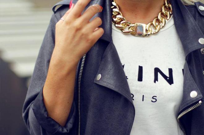ways to wear a bold chain choker necklace - by Myra Madeleine