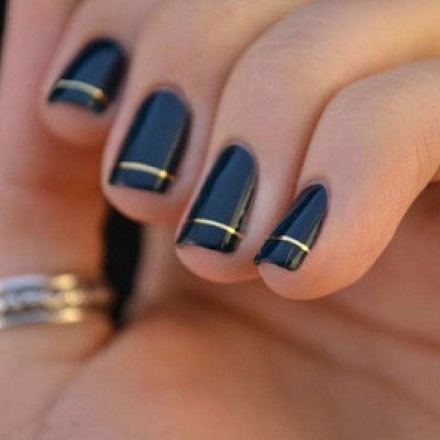 black manicures | Myra Madeleine