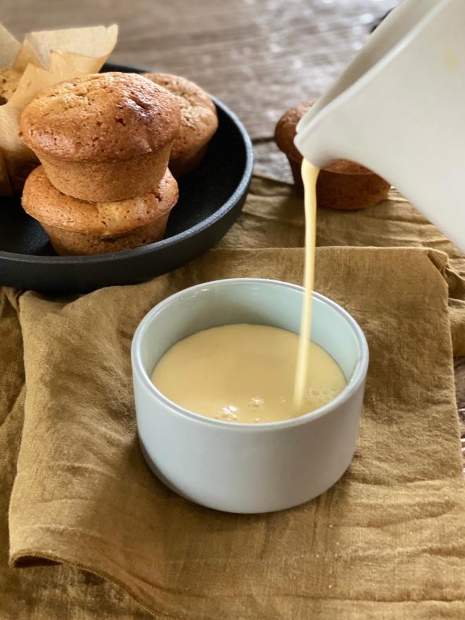 gembermuffins met vanillesaus Paul Kappé