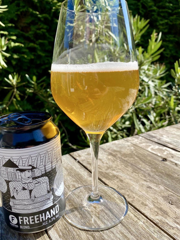 blond bier brouwerij frontaal